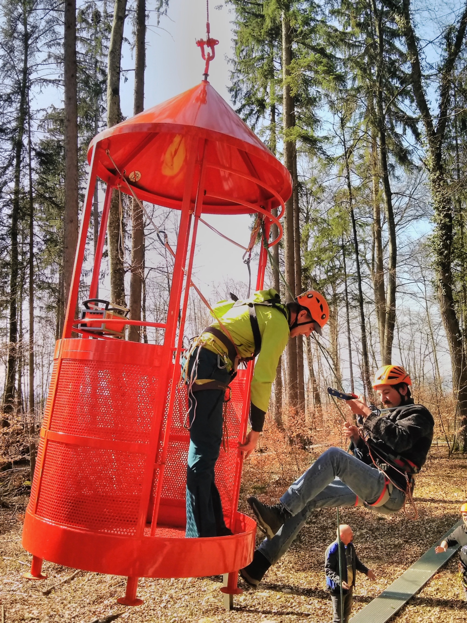 Roping training at the Hölstein crane site 1